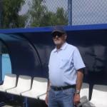 El veterano entrenador en el banquillo del estadio de Los Príncipes. / DA