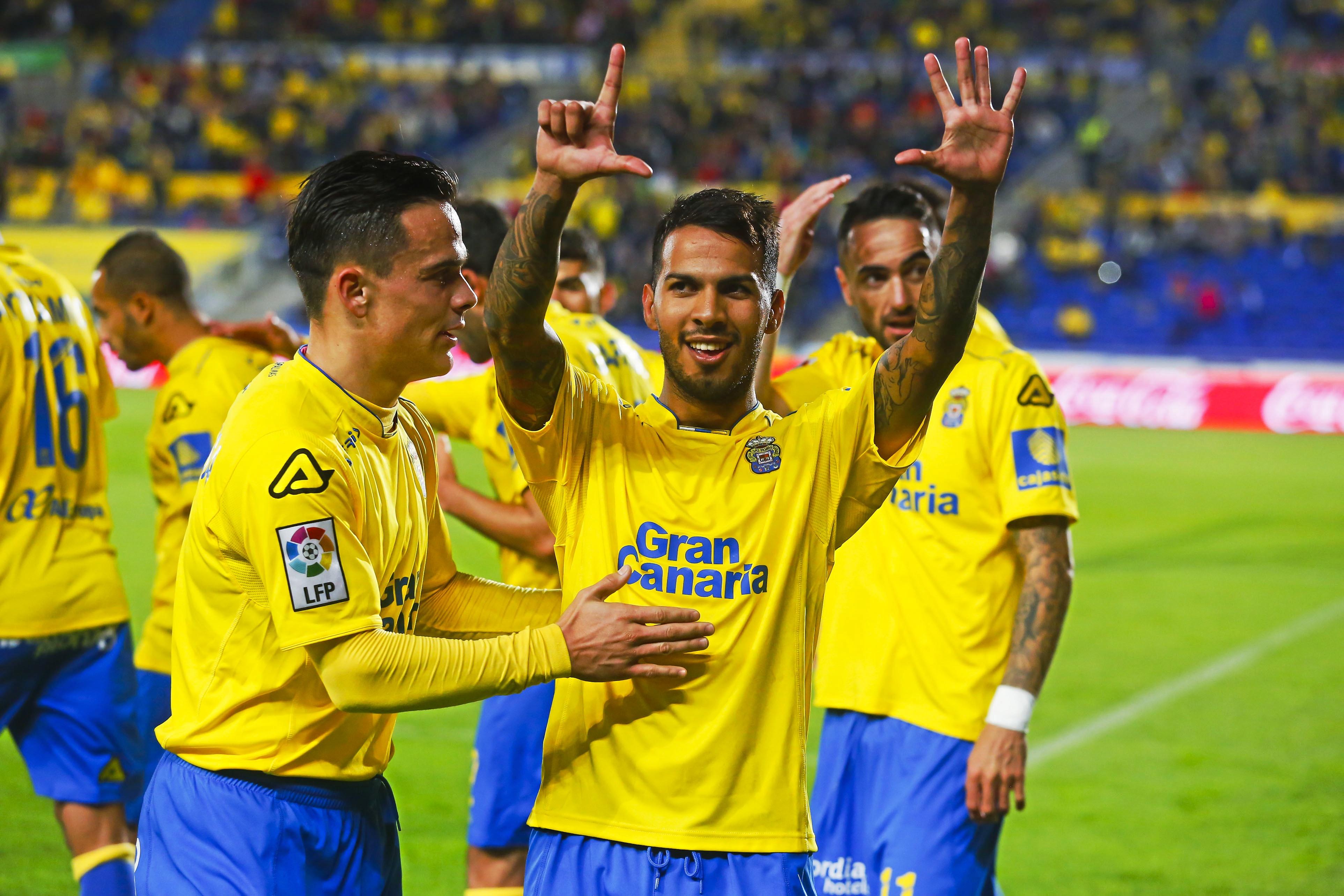 Partido de la Liga BBVA disputado entre Las Palmas y Getafe. En la imagen, Jonathan Viera celebra el segundo tanto.