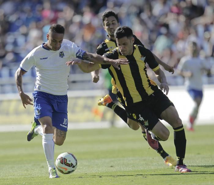 El Tenerife se impuso al Real Betis el año pasado, ya como equipo ascendido a Primera División. / da