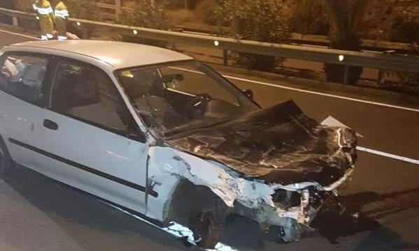 Un conductor da positivo en alcoholemia tras volcar en la vía hacia San Andrés