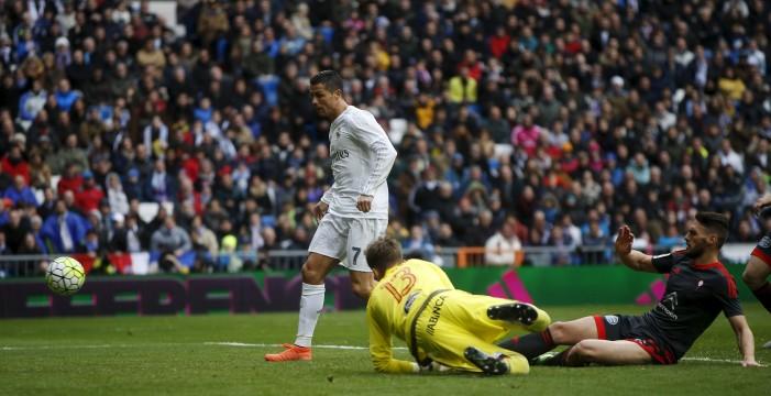 Cristiano supera a Zarra y ya es el segundo máximo goleador de la Liga