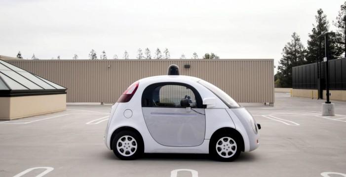 El coche autónomo de Google se choca con una guagua