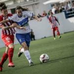 Paloma Lázaro en acción en el partido que jugó su equipo ante el Atlético de Madrid. / andrés gutiérrez