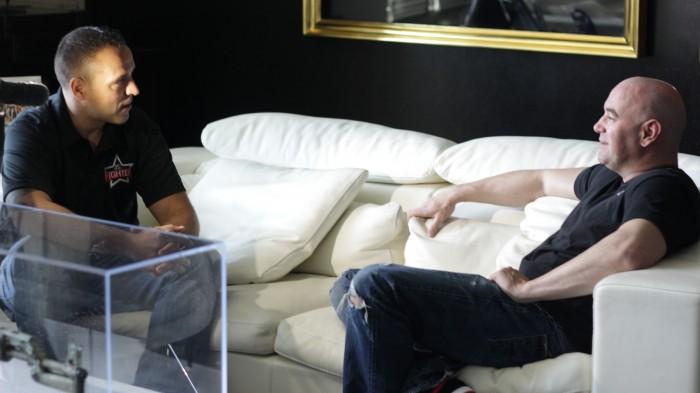 Miggy, en su primera entrevista con Dana White, presidente de UFC, en Las Vegas. / JONAY AZARUG