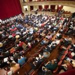 Tecnológica Santa Cruz arrancó ayer en el Teatro Guimerá con aforo completo y mucha innovación. / F. PALLERO