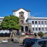 La Universidad de La Laguna ha perdido casi el doble de docentes e investigadores que la de Las Palmas. / DA